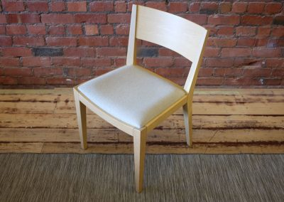 ZUSTER dining chairs