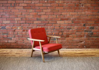HANS WEGNER red cigar chair