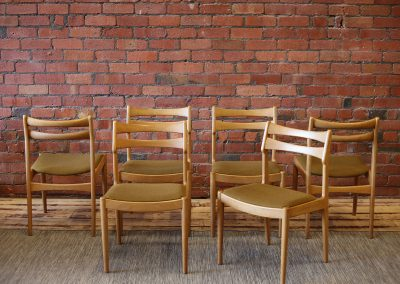 VAMO dining chairs