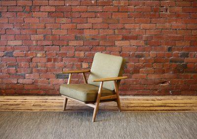HANS WEGNER olive Cigar lounge chair